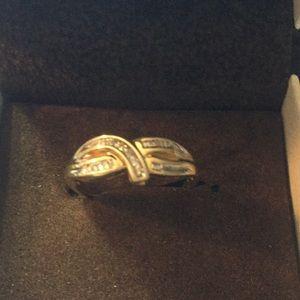 Jewelry - 10k yellow gold diamond ring